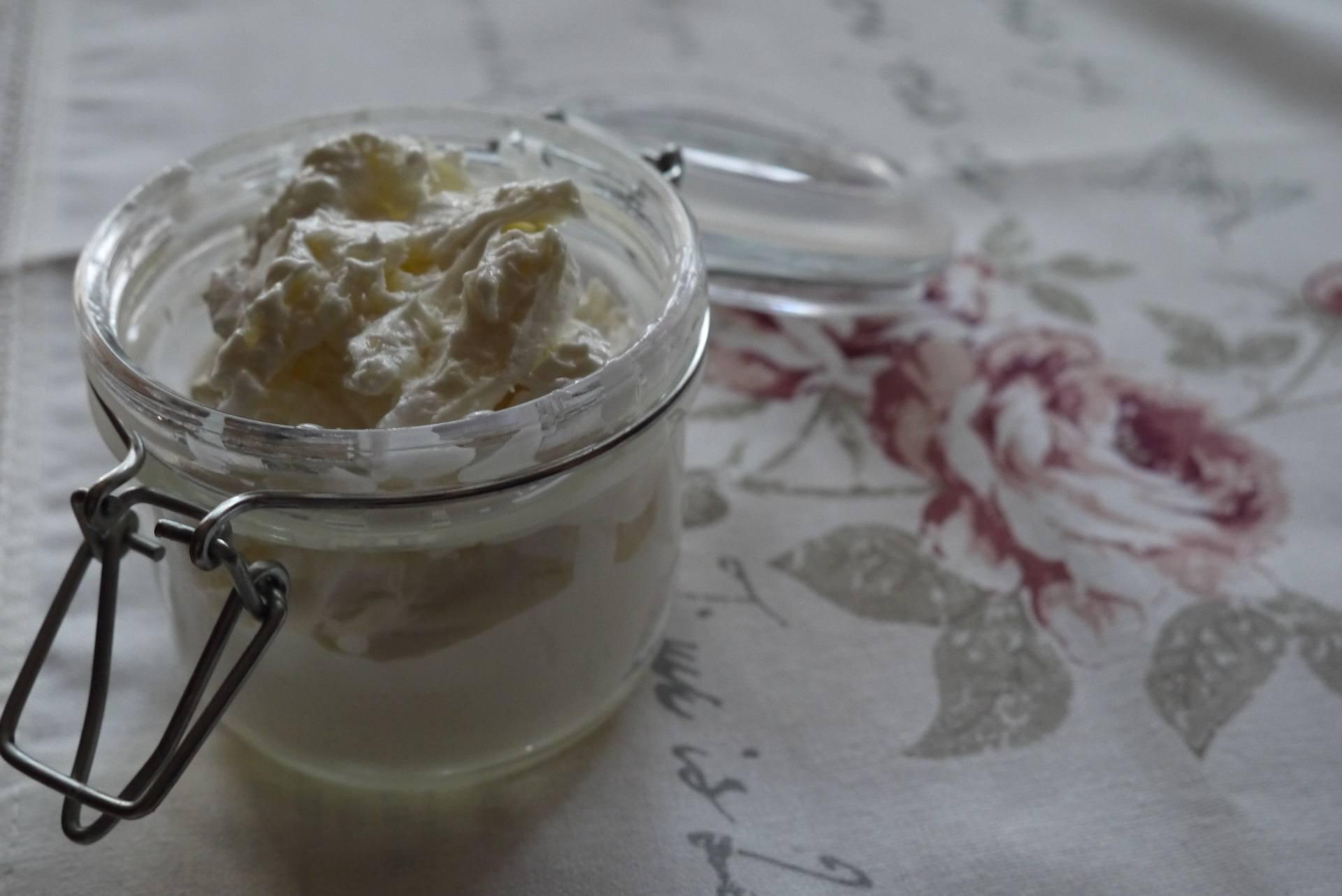 masło do ciała z dodatkiem masła shea